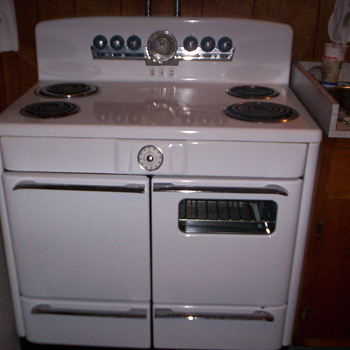 1951 Perfection Electric Range - Kitchen