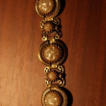 Unmarked Vintage Bracelet - Costume Jewelry