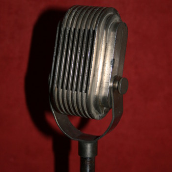 Ronette microphone on stand - Radios