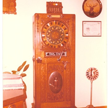 1897 Mills Novelty Co. Floor Model Owl Slot Machine
