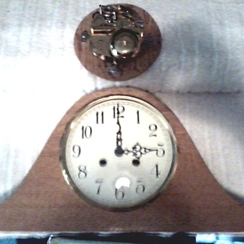 "Franz Hermle Oak Case Mantle Clock / 130-070 #87 / Two Bell"" Bim Bam"" Strike / Circa 1987 - Clocks"