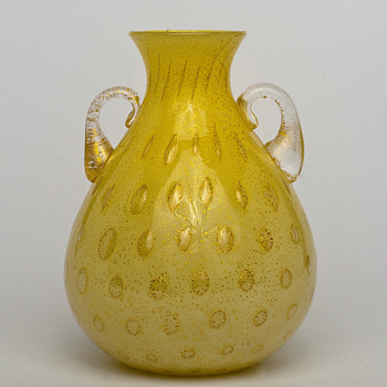 controlled bubbles and gold leaf vase with handles - Art Glass