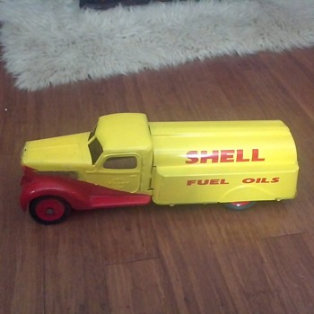 International Shell Oil truck By Buddy L - Model Cars