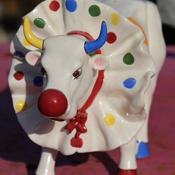 Big Apple Cir Cow by Catherine Krebs - 2001