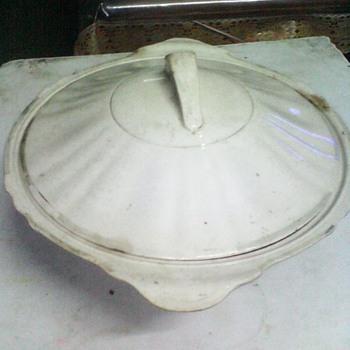 1930 england made bowl, water jug & estray