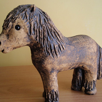 This mystery model of a horse, was discovered, during a house move.  HOW OLD IS IT.!!!! - Art Pottery
