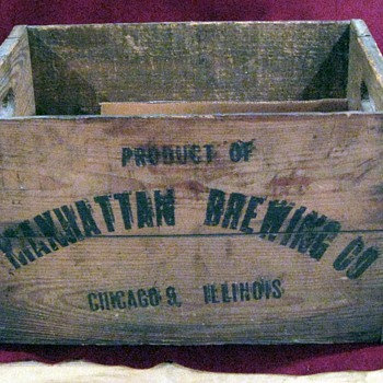 Manhattan Brewing of Chicago, Wood Crate - Breweriana
