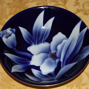 Japan Blue floral and gold bowl - China and Dinnerware