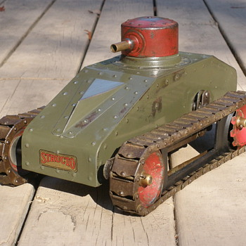 Rare lever wound Structo Tank 1930/32. Based on Cristie tanks? Completed restoration project.  - Toys