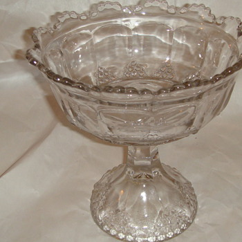 Crystal glass bowl scallop edge top on  - Glassware