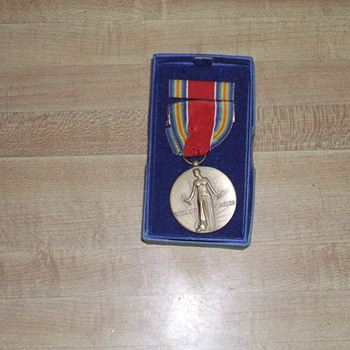 WW II victory medal