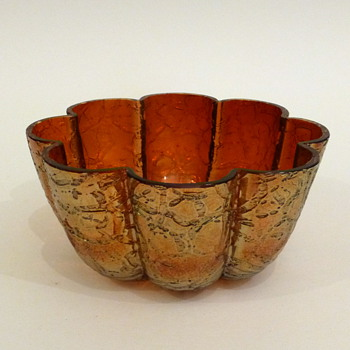 Red crackle bowl