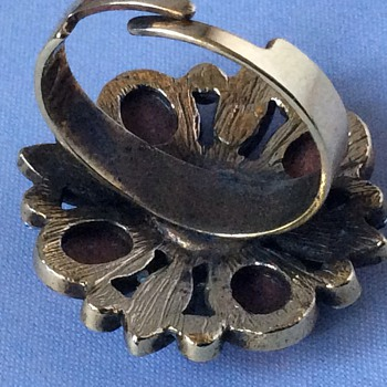 Antique/vintage ring - Costume Jewelry