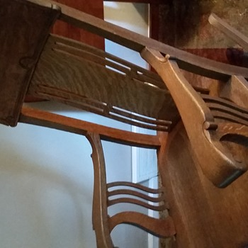 Rocking chair need help to identify - Furniture