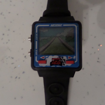 Race game watch