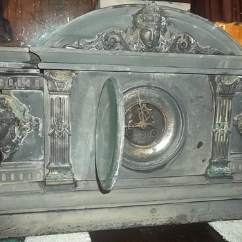 1800s french mantle clock