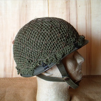 West German Para helmet , Stahlhelm Luftlande M61 - Military and Wartime