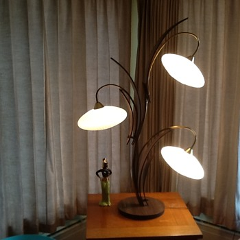 Danish modern nelsonesque table lamp