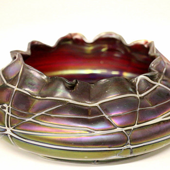 "Czech Art Nouveau ""Pallme Konig"" RED Iridescent Veined Threaded Art Glass Bowl - Art Glass"