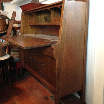 Unknown Arts and Crafts Desk