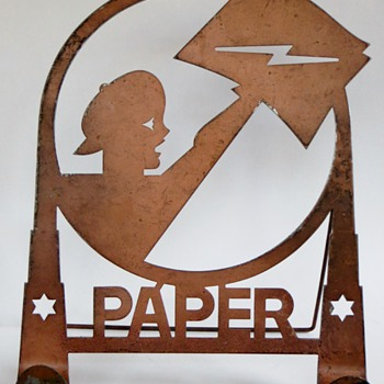Metal Cut Out w/Stand~PAPER!, with a Newsie holding a paper with a Lightning bolt - Signs