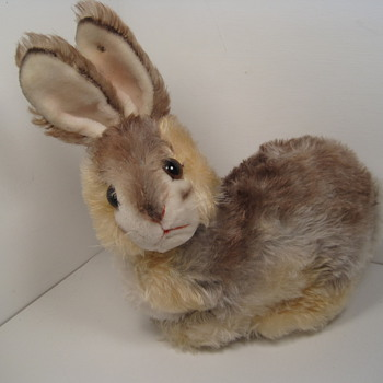 Hop to it and take a look at this super sweet Steiff rabbit! - Dolls