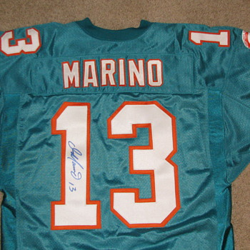 1994 Dan Marino Dolphins Football Jersey (Issued Jersey/Autographed) - Football