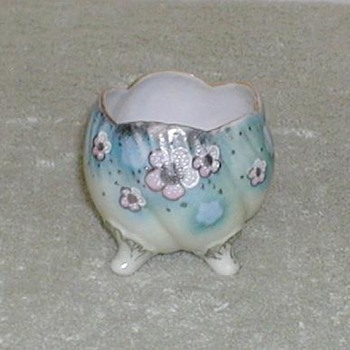 Hand-painted porcelain footed bowl