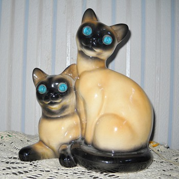 SIAMESE CAT T.V. LAMP