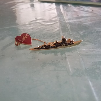 Ship sweetheart badge