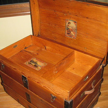 My fun  antique trunk  - Furniture