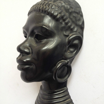 "Villeroy & Boch Luxembourg masque ""Africaine"" 1950"