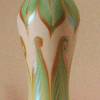 Rare Trevaise Pulled and Hooked Feather Vase (1907). - Art Glass
