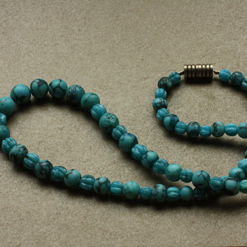 Turquoise glass necklace - Costume Jewelry