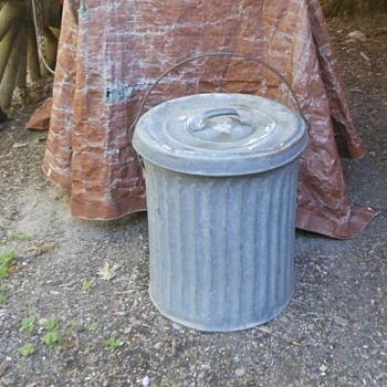 """Vintage Small Galvanized Trash Can 18"""" Tall - Tools and Hardware"""