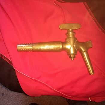 Heavy Brass Tap for a wood cask, has a hammer end to hammer it into the wood - Breweriana
