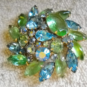 ALICE CAVINESS RHINESTONE BROOCH &amp; BRACELET - Costume Jewelry