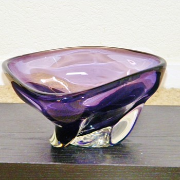 Retro Czechoslovakian?  Royal Purple Crystal Swirl Bowl  HELP! - Art Glass