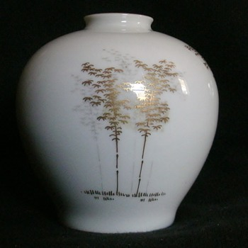 Hand Painted Fukagawa Arita Vase - Asian
