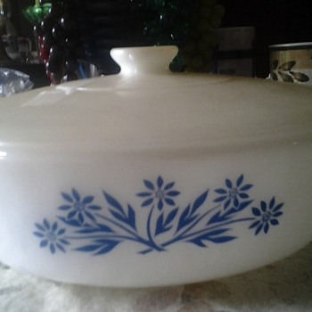 fire king blue daisy/cornflower covered bowl
