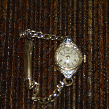 Vintage Ladies Bulova Diamond 10k gold filled Wristwatch