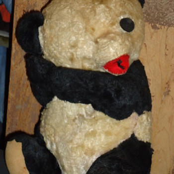 Steiff Panda? - Dolls