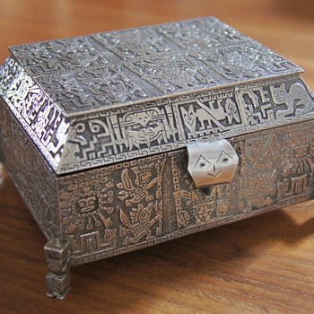 Peruvian Solid 900 Silver Jewelry Casket – An Auction Find  - Sterling Silver