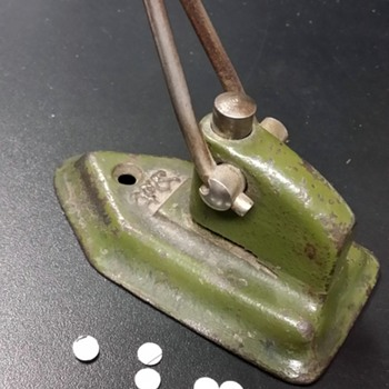 Wilson Jones Hole Punch