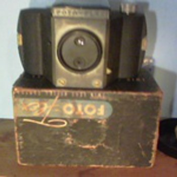 1955 Foto-Flex Twin Lens Reflex Camera