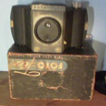 1955 Foto-Flex Twin Lens Reflex Camera - Cameras