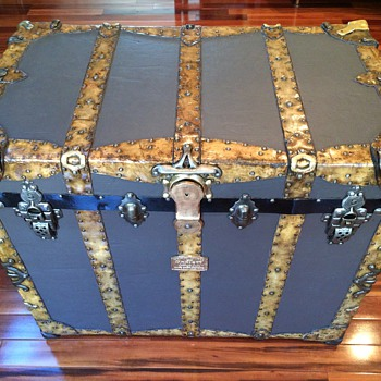H.C.Faber Rawhide Combination trunk (refinished) - Furniture