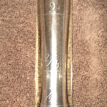 Bottle with measurements.. any ideas