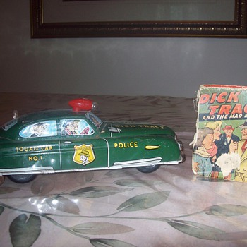 Dick Tracey squad car and better little book - Model Cars