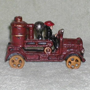 Cast Iron painted Fire Pumper - Firefighting